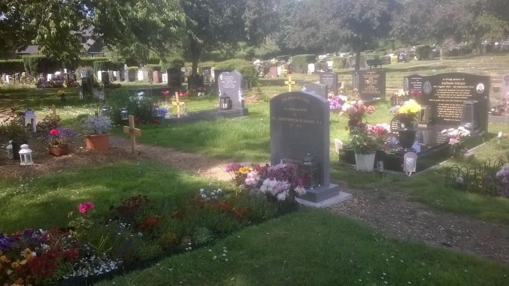 FrChrisBurgess-memorialbenchview