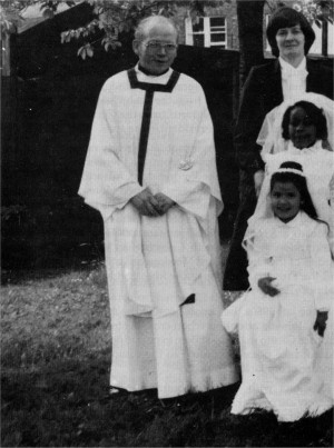 c.1982: Fr. Seamus McGeoghan after First Communions.
